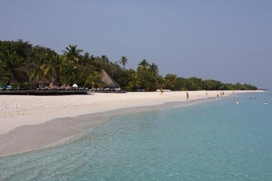 Kuredu Island Resort & Spa: La plage.