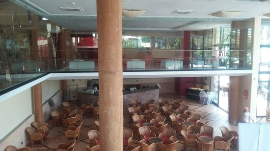 Illot Park Hotel: Innenbreich - Nahe Rezeption