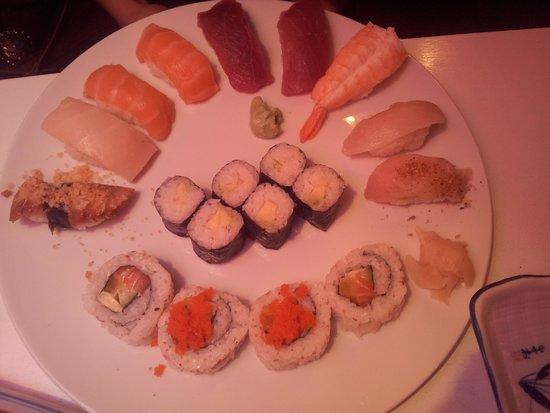 Yang-Ji: Biggest sushi plate in the menu
