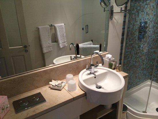 The Hambrough: Bathroom