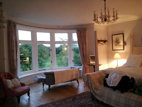 Juniper, UK: The large, beautifully decorated room