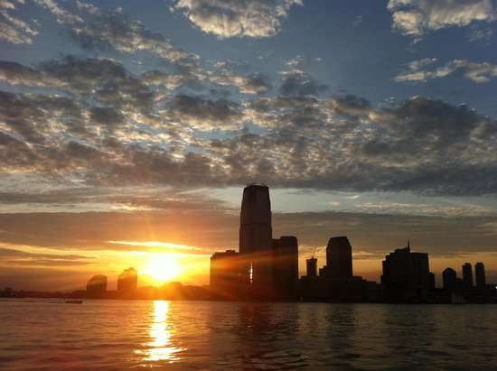 Bateaux New York: Skyline with sunset