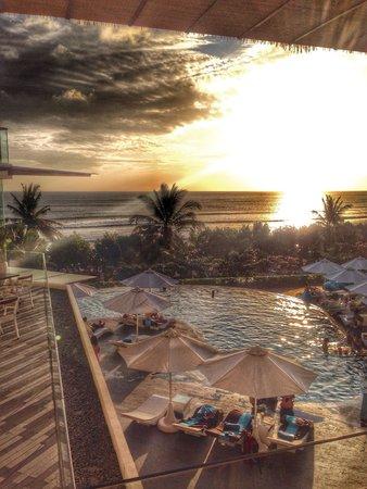 Sheraton Bali Kuta Resort: sunset @ sheraton kuta