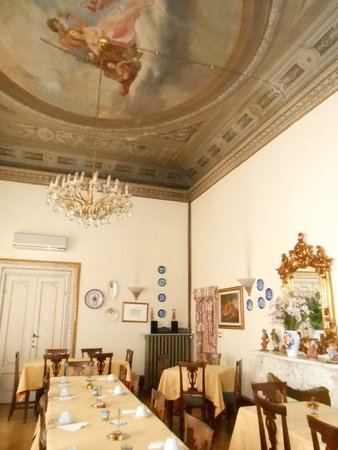 Hotel Villa Liana : Sala de café da manhã