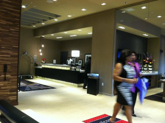 Hampton Inn Brooklyn/Downtown: Front Lobby