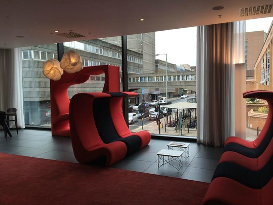 citizenM Glasgow: The lounge