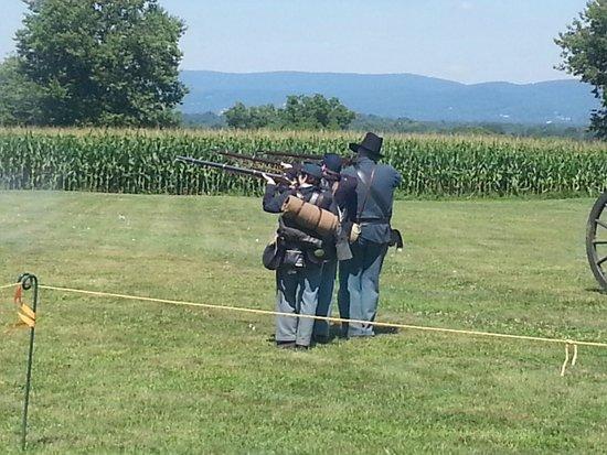 Antietam National Battlefield: Artillery Firing Demonstration!