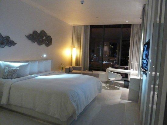 Sofitel So Bangkok: Metal theme bedroom