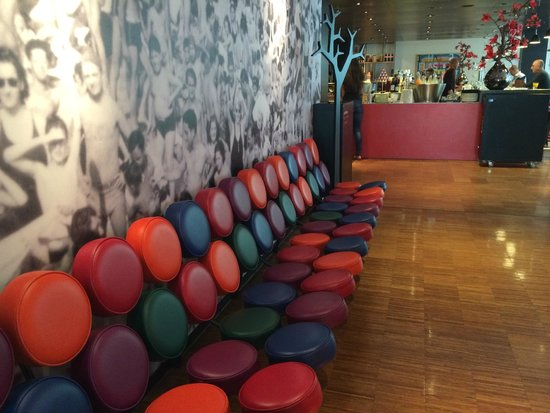 citizenM Glasgow: Seating area