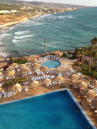 Sawary Resort & Hotel: Vue sur la piscine