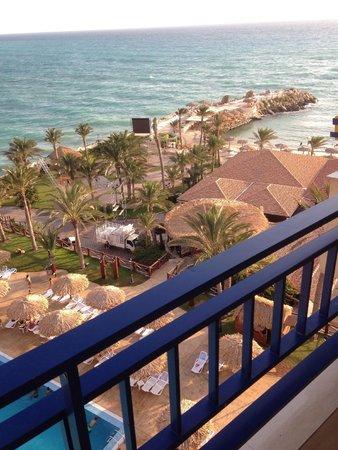 Sawary Resort & Hotel: Vue sur la mer