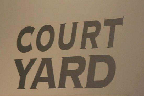 Mains of Taymouth Courtyard Restaurant: Court yard
