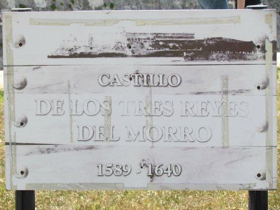 Castillo De Los Tres Reyes Del Morro : Placa da Entrada