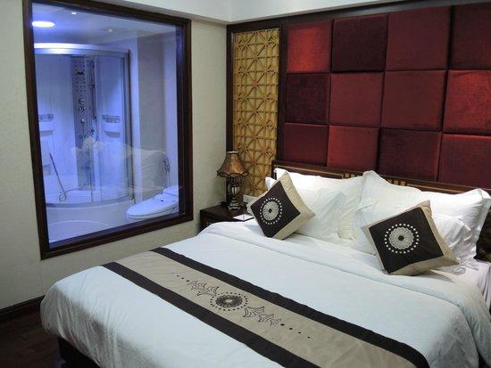 Moonlight Hotel Hue: suite