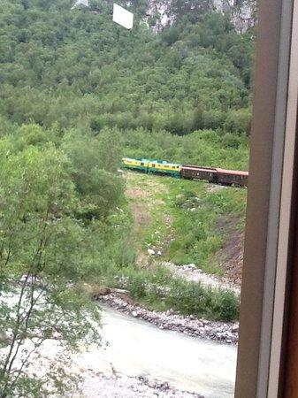 White Pass & Yukon Route Railway : going up the pass
