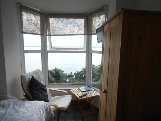 Carlyon Guest House: Room and the view