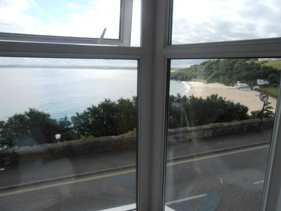 Carlyon Guest House: View out of room window
