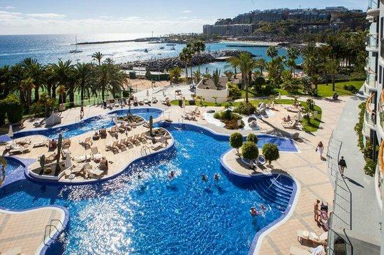Radisson Blu Resort, Gran Canaria: Piscina y Vistas