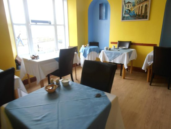 Carlyon Guest House: Dining room