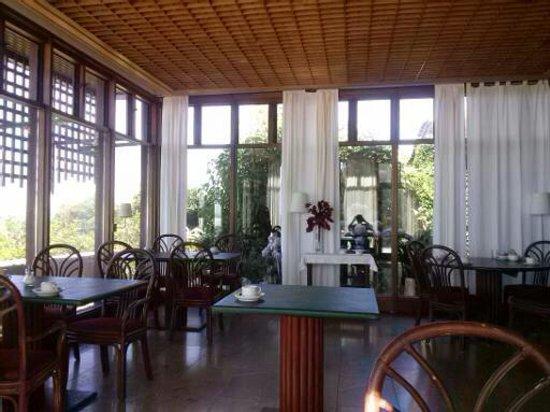 Hotel Solar Palmeiras: VISTA DO SALÃO DE REFEIÇÃO