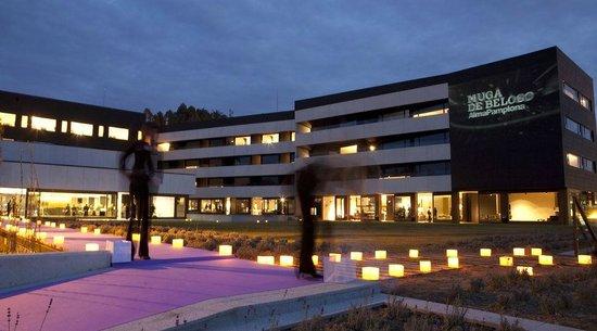 Alma Pamplona Muga de Beloso: Hotel exterior