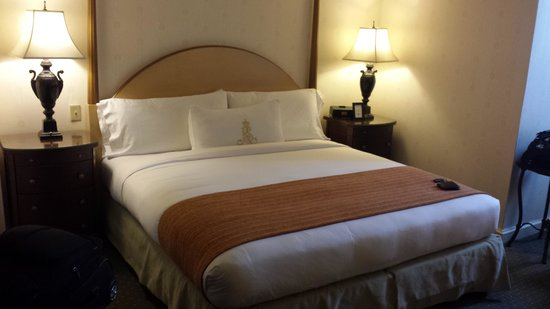 Royal Sonesta New Orleans: King Size Bed-Very Comfy