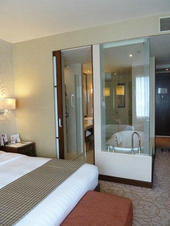 Pullman Bangkok Grande Sukhumvit : bathroom