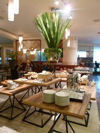 Pullman Bangkok Grande Sukhumvit : restaurant - breakfast 3