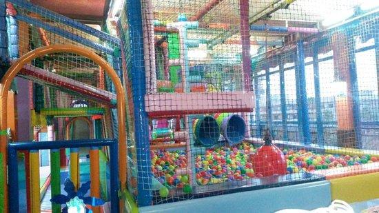 Aparthotel El Duque: Miki park