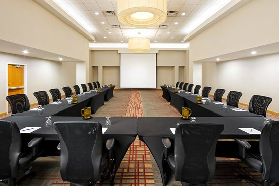 Four Points Hotel and Suites Kingston: Boardroom