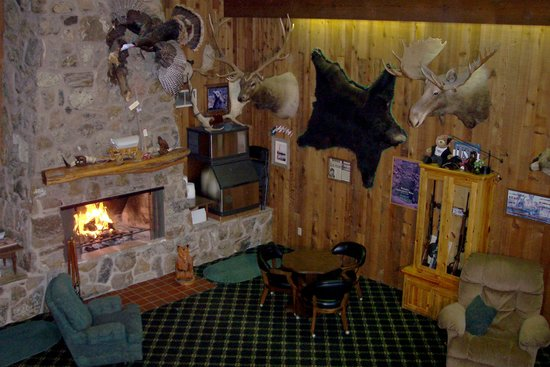 Bear Lodge Motel: Lobby