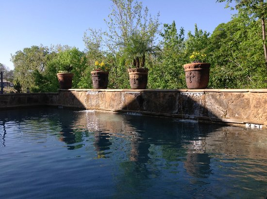 Angels Lodge Above the Creek: the pool