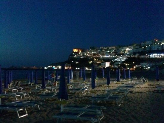 Villaggio Camping Bellariva: Peschici by night