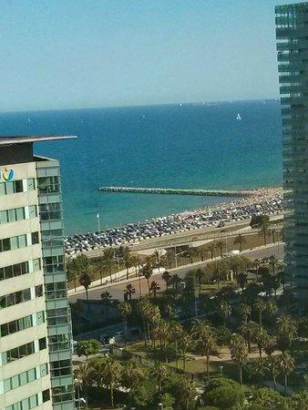 Hilton Diagonal Mar Barcelona: Beach