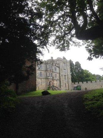 Chillingham Castle: castle