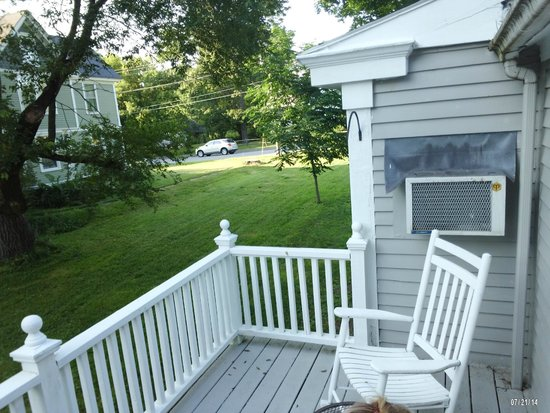 James Place Inn Bed and Breakfast: private deck