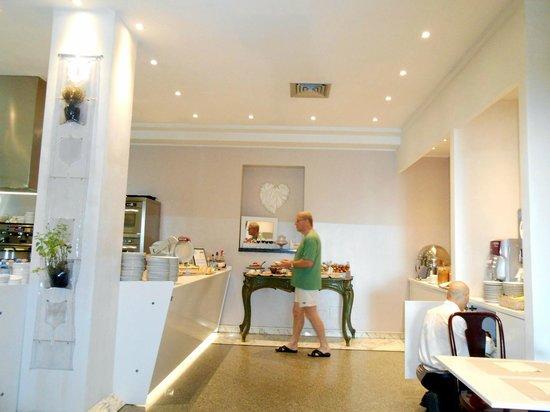Hotel Villa Rosa Riviera: Café da manhã