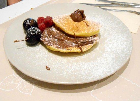 Hotel Villa Rosa Riviera : Panquecas no café da manhã