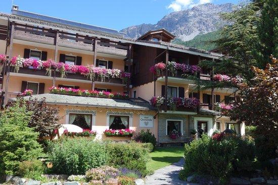 Hotel La Genzianella : The Hotel