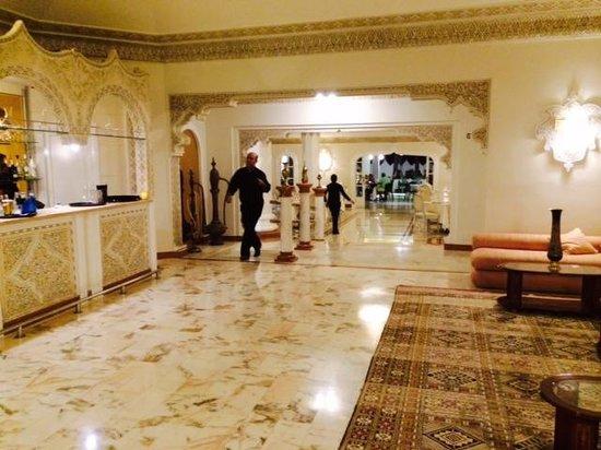 L'Oriental : Inside Lobby Area