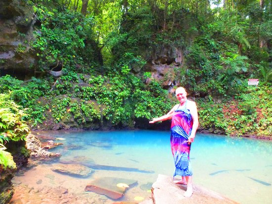 Blue Hole National Park: At the Blue Hole
