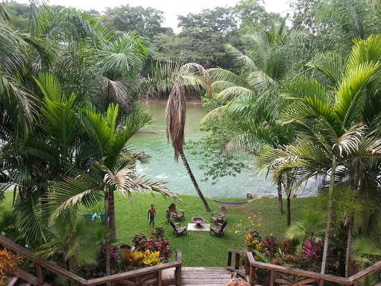 Mahogany Hall Boutique Resort: View of river from balcony