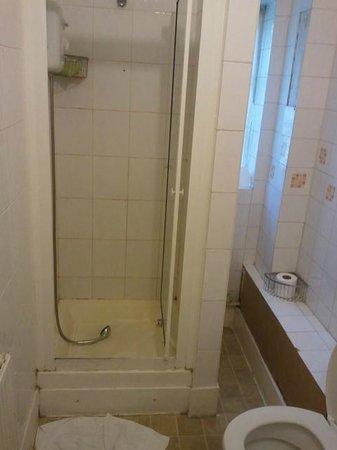 Great Western Hotel : Bathroom