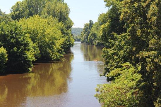Ferme de Tayac : The river (2 min walk)