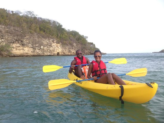 Abe's Snorkeling and BioBay Tours : Kayaking to a private beach for snorkeling!