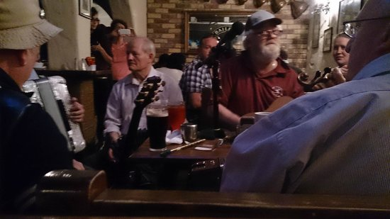 O'Connors Pub Doolin: Music Session!