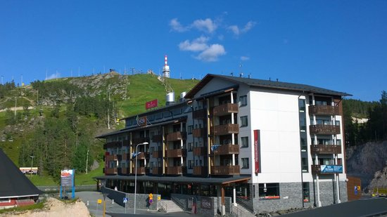 Ruka Suites: View from another balcony toward mountain