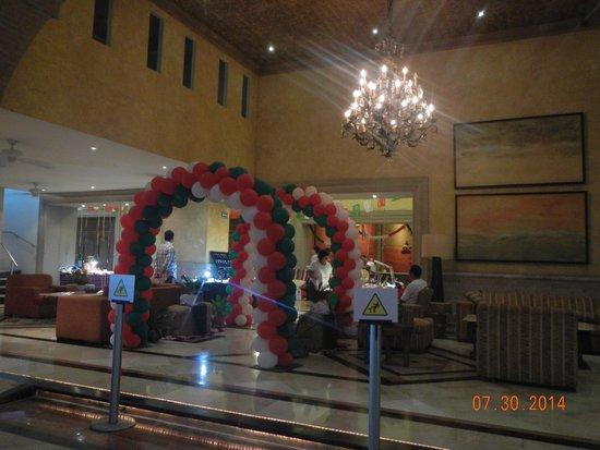 Velas Vallarta Suite Resort : Entrance to Mexican fiesta