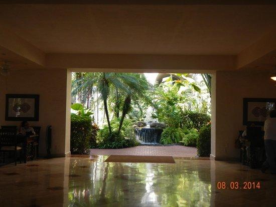 Velas Vallarta: Hotel lobby