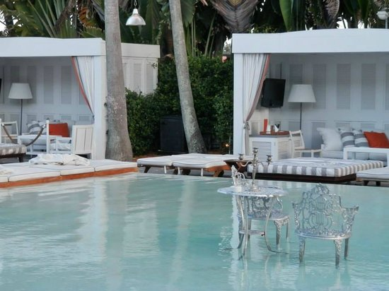 Delano South Beach Hotel : la piscina